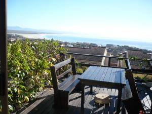 A1 Kynaston Accommodation, Bed and Breakfasts  Jeffreys Bay - big - 163