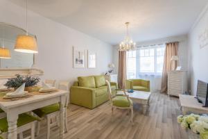 Ambria Apartments V