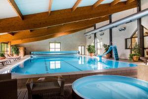 Location gîte, chambres d'hotes Best Western Le Relais de Laguiole Hôtel & Spa dans le département Aveyron 12