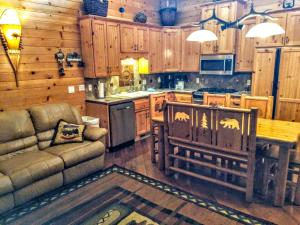 Three-Bedroom Specialty Townhouse Unit #36 by Snow Summit Townhouses - Hotel - Big Bear Lake