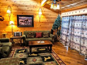 Two-Bedroom Specialty Townhouse Unit #37 by Snow Summit Townhouses - Hotel - Big Bear Lake