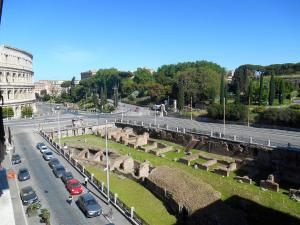 The Vibe of the Colosseum's Apartments - abcRoma.com