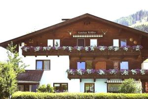 Gästehaus Kössler - Hotel - Tulfes