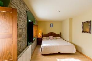 Hotel Rural Los Cerezos de Yanguas, Affittacamere  Yanguas - big - 12