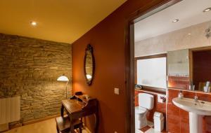 Hotel Rural Los Cerezos de Yanguas, Affittacamere  Yanguas - big - 22