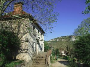 Accommodation in Brengues