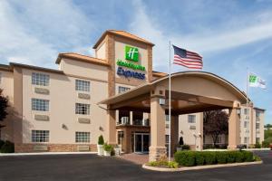 Holiday Inn Express Murrysville - Delmont, an IHG hotel - Hotel - Delmont