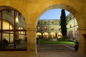 Hotel Real Colegiata de San Isidoro (7 of 39)