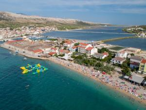 Rooms and Apartments Galeb -Beach side
