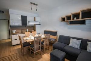 Vila Mojca Apartma Eva-Neža, Kranjska Gora (center) - Apartment - Kranjska Gora