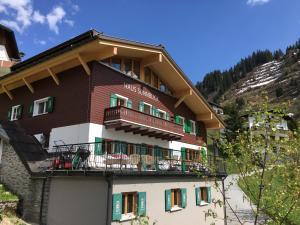 Ferienwohnung Sonnblick - Hotel - Stuben
