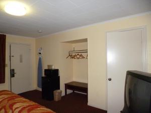 Mount Vernon Inn, Motels  Sumter - big - 42