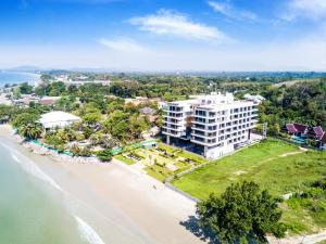 . Escape Condominiums Beachfront Suites - Mae Phim