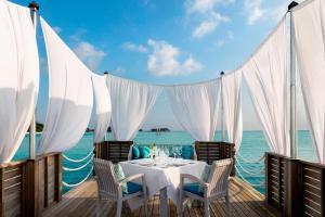 Anantara Dhigu Maldives Resort (10 of 41)