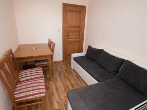 Comfortable Apartment in Podstrana with Balcony