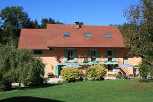 Accommodation in Lépin-le-Lac