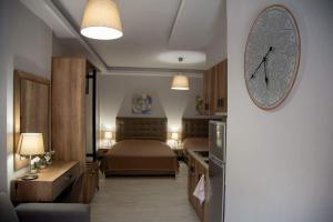 Dimitra House
