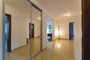 Mały Cyprys Domki i apartamenty dla rodzin z Dziećmi