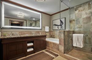 Four Seasons Resort Whistler - Accommodation - Whistler Blackcomb