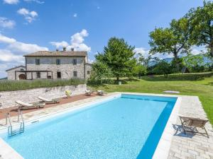 Ornate Mansion in Cagli with Hot Tub and Private Pool - Hotel - Cagli