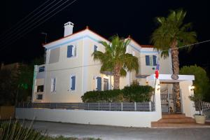 Chris Villa Aegina Greece