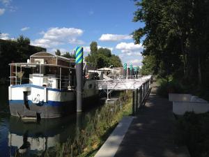 Location gîte, chambres d'hotes Boat For Guest dans le département Haut de seine 92