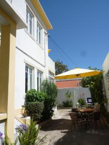Casa Londres, Estoril Coast