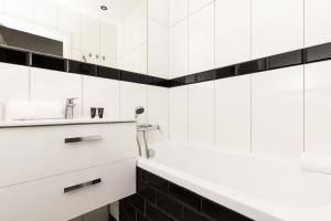 Apartments Gdansk Kartuska 126 by Renters