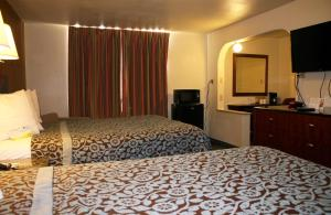 Econo Lodge Inn & Suites Tyler, Отели  Tyler - big - 24