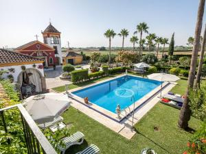 Villa with 4 bedrooms in Los Palacios y Villafranca with private pool enclosed garden and WiFi 60 km from the beach