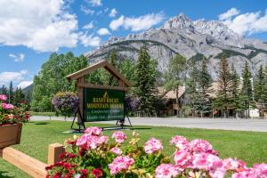 Banff Rocky Mountain Resort - Hotel - Banff
