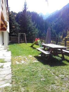 Studio a Saint Jean d\'Arves avec magnifique vue sur la montagne jardin amenage et WiFi a 6 km des pistes
