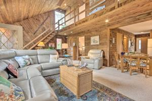 Rustic-Chic Home with Deck 1 Mi to Ski Resort