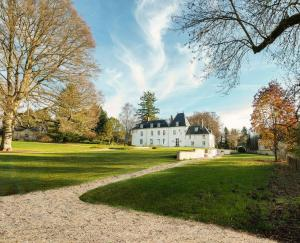 Location gîte, chambres d'hotes Chateau de Moison, Domaine Eco Nature dans le département Cher 18