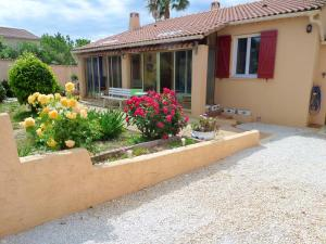 House with 2 bedrooms in La Londe les Maures with enclosed garden and WiFi 700 m from the beach