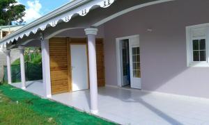 Maison de 2 chambres a Sainte Anne avec jardin clos et WiFi a 5 km de la plage