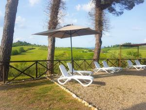 Villa with 3 bedrooms in Le Scotte with private po - AbcAlberghi.com