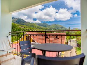 Apartment with one bedroom in Au cap, with wonderful mountain view, enclosed garden and WiFi - 100 m