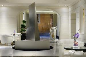 The First Luxury Art Hotel (6 of 37)