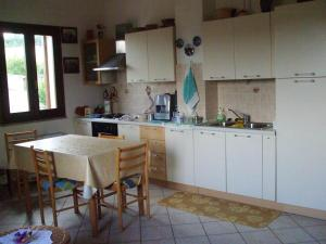 Apartment with 2 bedrooms in Nughedu Santa Vittoria with balcony and WiFi 45 km from the beach