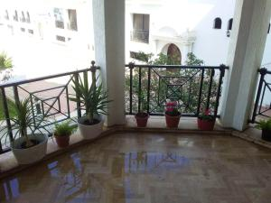 Apartment with one bedroom in Casablanca with shared pool enclosed garden and WiFi 100 m from the beach