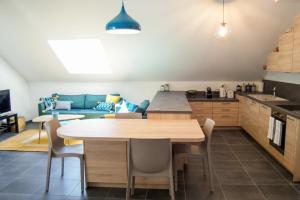 La Champanaise - Appartement 2 chambres à 300m du Lac d'Annecy - Hotel - Duingt