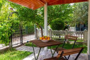 VILLA BELLA 2 - Triplex Villa with private garden