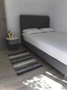 chrysanthi hotel apts