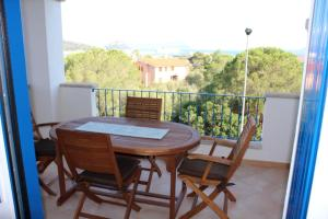 Apartment with one bedroom in Golfo Aranci with wonderful sea view furnished terrace and WiFi 500 m from the beach