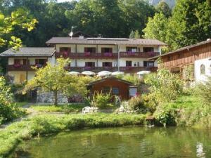 Albergues - Gästehaus Quellenhof