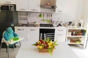 Apartment Via Antonio Squarcialupi - AbcAlberghi.com