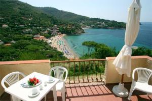 Villa Punta Morcone - AbcAlberghi.com