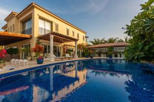 Villa Lazuli - A one-of-a-kind stay, with jacuzzi and pool - limited to 8