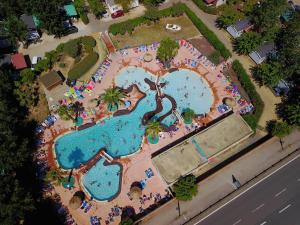 Camping Les Salisses - Hotel - Vias